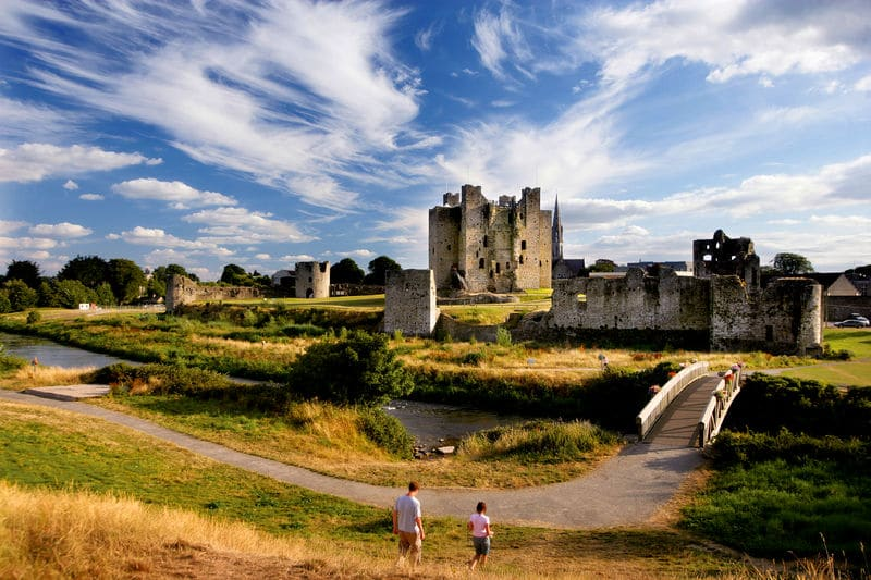 trim-castle-county-meath-river-boyne-ireland-ancient-east-pedestrian-bridge